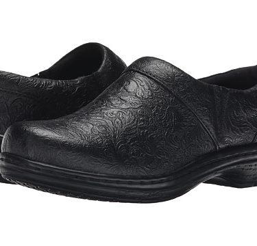 Klogs Mission Black Tooled Shoe